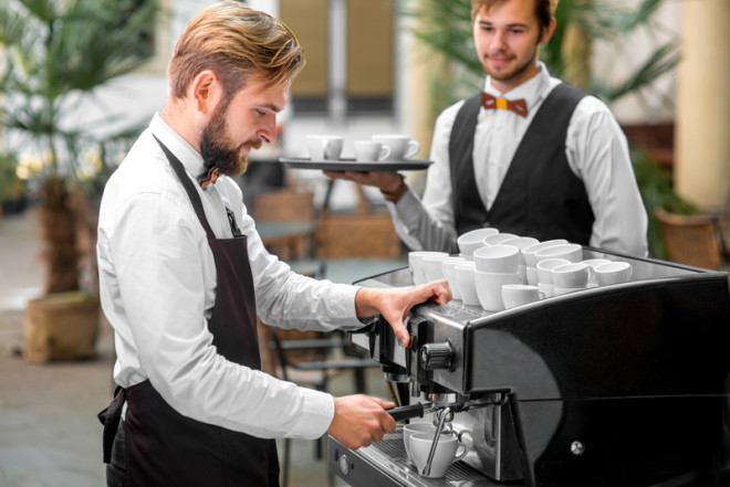 Barista course_ © Rosshelen _ Dreamstime
