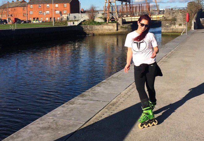 Simony trouxe o patins do Brasil. Foto: Arquivo pessoal