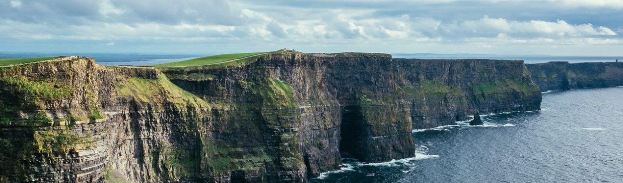 Conheça as lindas paisagens dos Cliffs of Moher na Irlanda