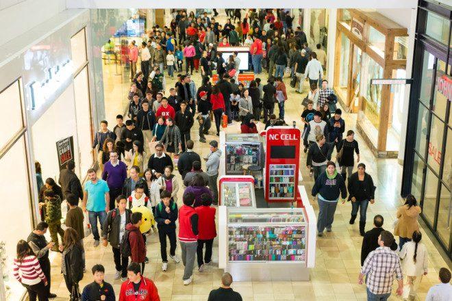 Prepare-se para enfrentar lojas lotadas durante a Black Friday. Foto: Nam Nguyen | Dreamstime