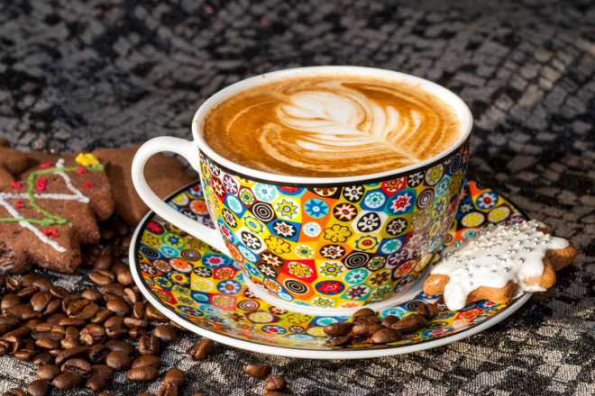 Galway também possui locais aconchegantes para uma boa xícara de café. Crédito: Leszek Wilk | Dreamstime.com