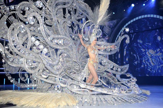 Tenerife tem concurso de fantasias que elege a rainha do Carnaval. Crédito: Dreamstime