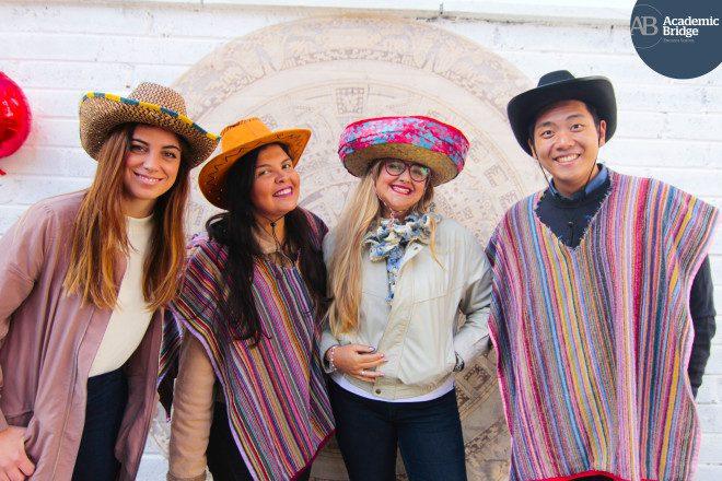 Festas culturais fazem parte do calendário extra-curricular da escola. Crédito: Academic Bridge English School