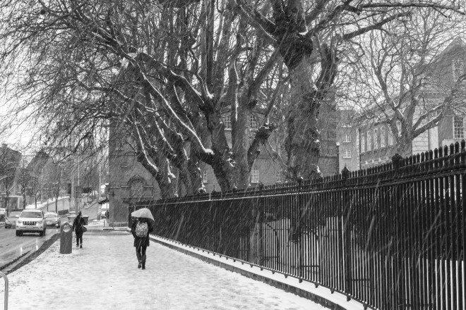 Tempestade deixou Dublin coberta de neve na manhã desta quarta-feira. Foto: Fábio Gibelli