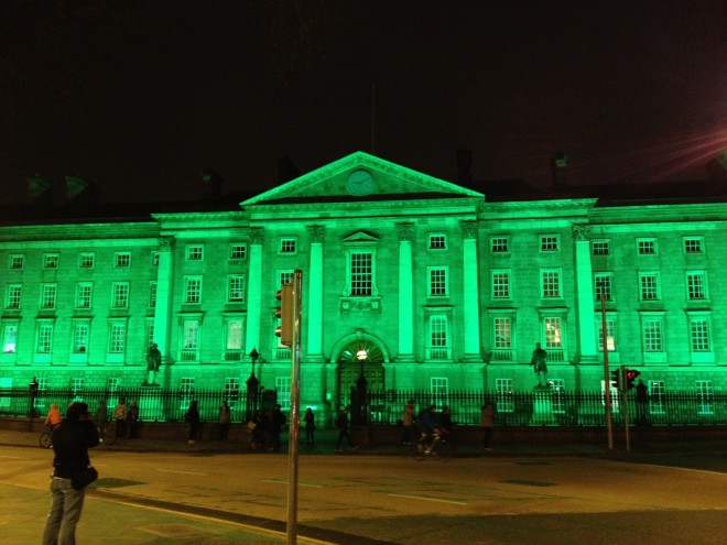 Principais prédios de Dublin serão iluminados de verde. Foto: Pinterest