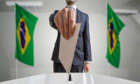 Brasileiros no exterior têm até maio para solicitar inscrição eleitoral e votar em outubro