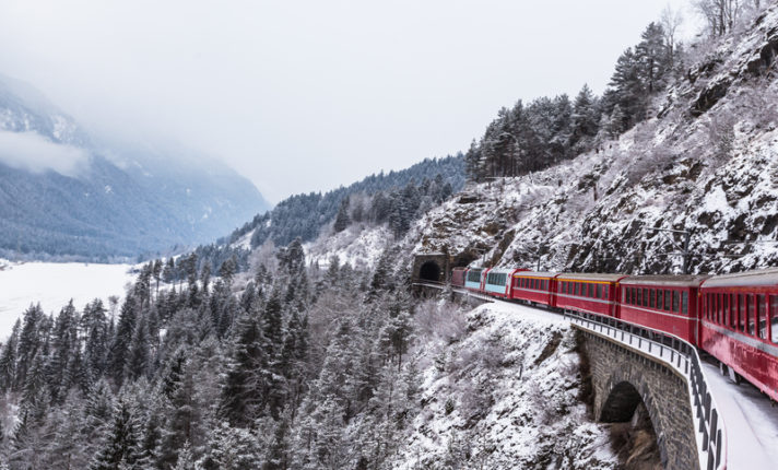 Viaje para os Alpes Suíços a bordo do trem Glacier Express