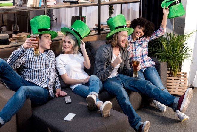 Não importa a fantasia, curta o Saint Patrick's Day. Crédito: VitalikRadko/Depositphotos