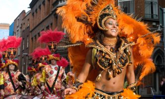 Escola de Samba em Dublin faz sucesso há mais de 20 anos