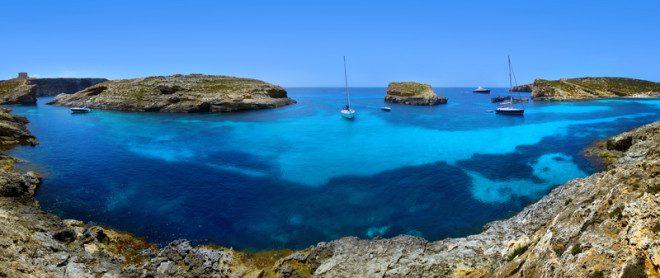 Lagoa Azul, ou Blue lagoon, na ilha de Comino, em Malta. Foto: Mikael Damkier/Dreamstime
