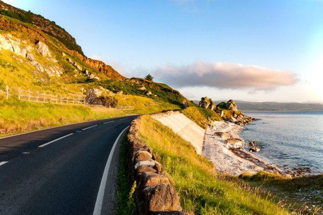 A temperatura mais quente na primavera convida a viajar pela Irlanda. Foto: Krzysztof Nahlik | Dreamstime