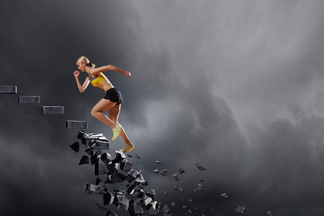 Cair e levantar faz parte do intercâmbio. © Sergey Khakimullin | Dreamstime.com