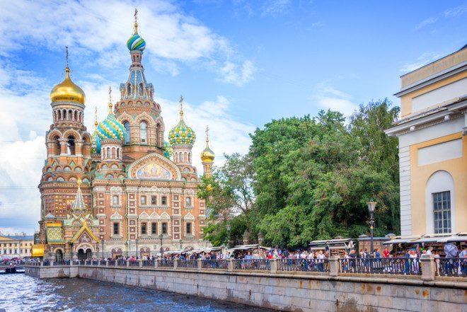 São Petersburgo reserva muita história e cultura. Foto: Delstudio | Dreamstime