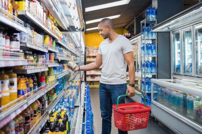 Opção de compras em supermercado barato em Dublin.© Rido | Dreamstime.com