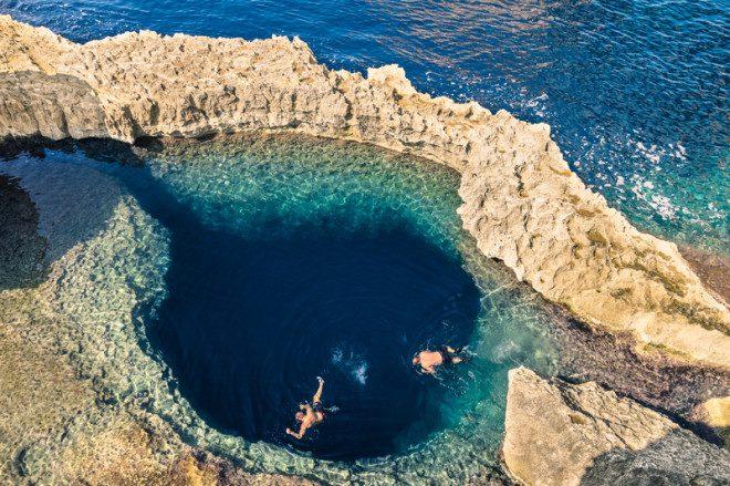 Ilha de Gozo é repleta de praias paradisíacas. Foto: Mirko Vitali | Dreamstime