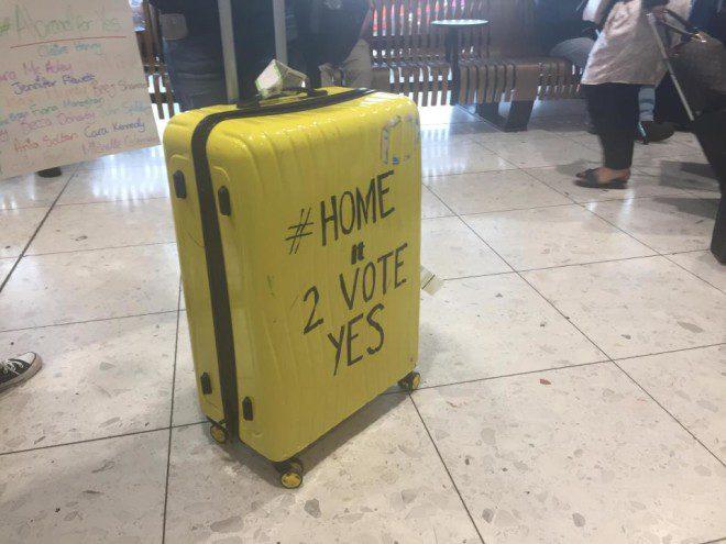 Irlandeses que moram no exterior voltaram ao país apenas para votar o referendo. Foto: The Sun