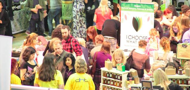 Festival de Yoga e comida vegan acontece pela primeira vez na Trinity. Foto: Yogfic