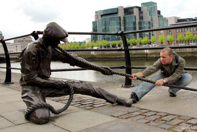 Eu careca esem barba em Dublin, na Irlanda, um dos destinos perfeitos para gays na Europa - Foto: Viaja Bi!