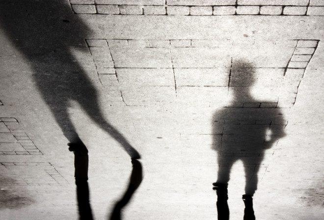 Casal gay foi agredido enquanto voltava para casa na cidade de Portlaoise. Foto: Aleksandra Milovic/Dreamstime