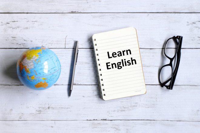 Sem o inglês as oportunidades de emprego no Brasil não acontecia. © Mohamad Faizal Ramli | Dreamstime.com