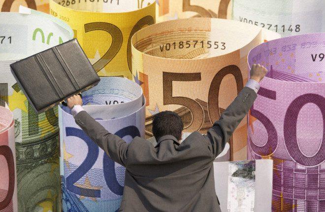 764 euros é o valor mínimo mensal para quem trabalha 20h na Irlanda. © Photographerlondon | Dreamstime.com