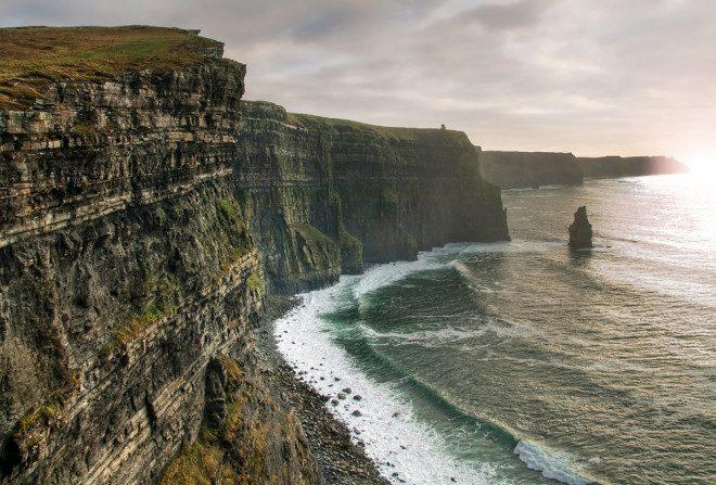 Cliffs of Moher, na Irlanda, foi cenário para um dos filmes da saga Harry Potter. Foto: Depositphotos