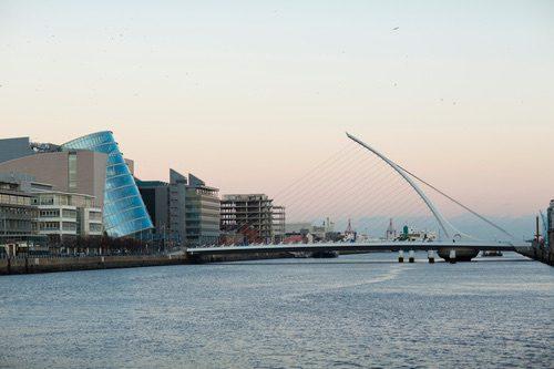 Rio Liffey é uma das fontes de água para o sistema de distribuição da Irlanda. Foto: Depositphotos