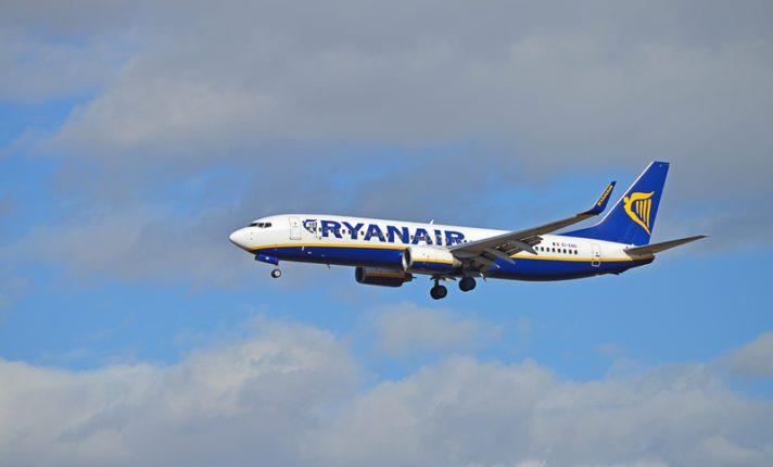 Brasileira relata desespero após despressurização em voo da Ryanair