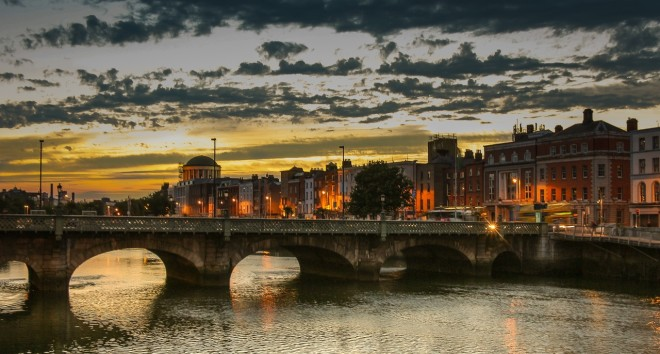 Tana auxilia na busca por uma colocação no mercado de trabalho irlandês. Foto: Pxhere