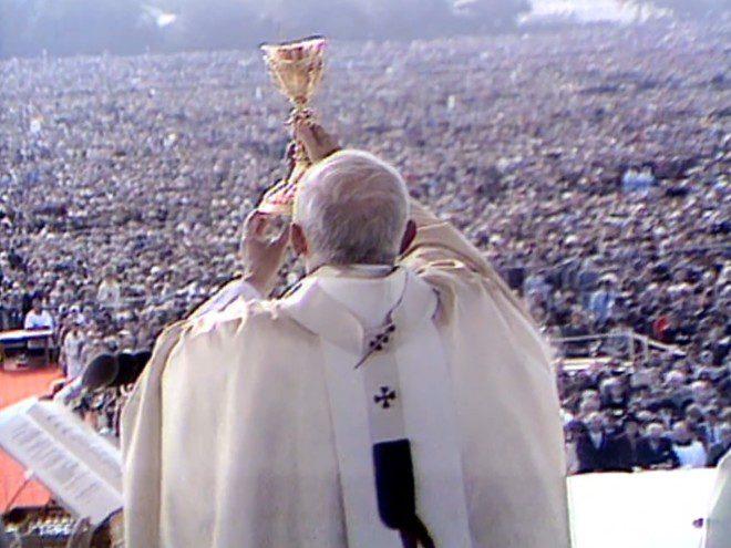Missa no Phoenix Park celebrada pelo papa João Paulo II reuniu cerca de 1,3 milhão de pessoas no dia 29 de setembro de 1979. Foto: Reprodução/RTE