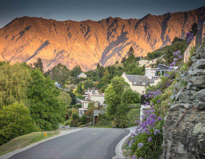 Nova Zelândia é opção popular de intercâmbio para brasileiros com dólar do país mais barato que de outros destinos clássicos de intercâmbio. Foto: PxHere
