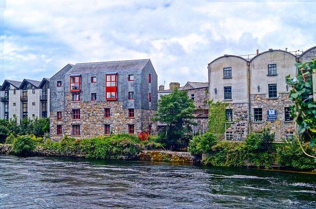 Casas estilosas de Galway. Foto: xcoffeeelenax|Pixabay.