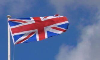 Reino Unido veta voos vindos do Brasil por causa de mutação da Covid-19