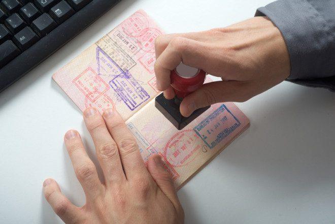 Imigrantes com Stamp 3 perdem oportunidades de trabalho. Foto: Omur12 | Dreamstime