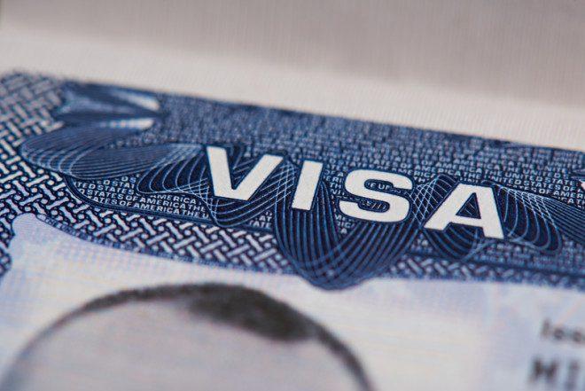 Imigrantes que possuem Stamp 3 na Irlanda pedem que visto seja revisto. Imagem: Dimarik16 | Dreamstime