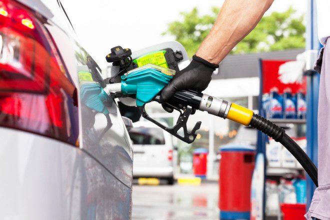 Ao escolher o veículo tenha em mente o combustível do mesmo. © Wellphotos | Dreamstime.com