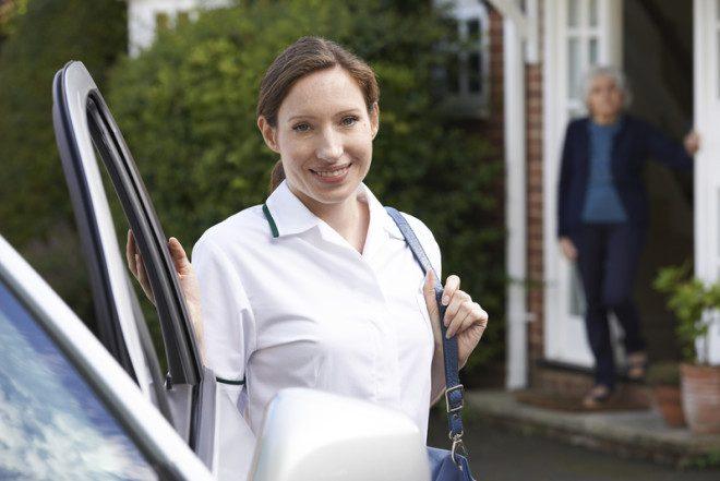 Compensa possuir um carro para fins profissionais na Irlanda? © Ian Allenden | Dreamstime.com