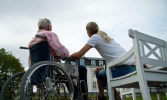 Quer trabalhar como cuidador na Irlanda? Há vagas