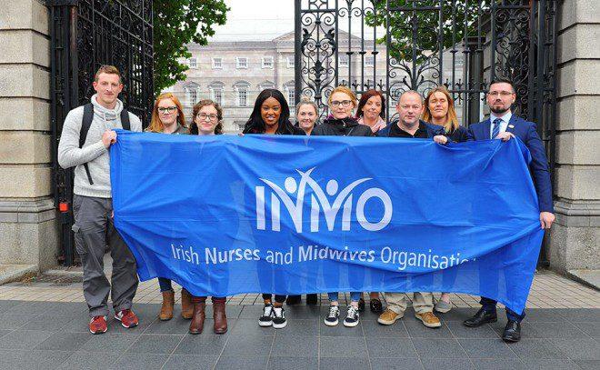 Greve de enfermeiros na Irlanda reivindica melhores condições de trabalho. Reprodução Inmo.