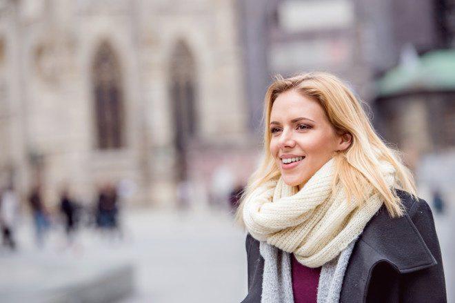 Aproveite o dia para caminhar durante o inverno. Crédito: Pojoslaw | Dreamstime