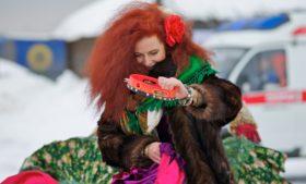 Reunião de ruivos abre temporada de festivais inusitados na Irlanda