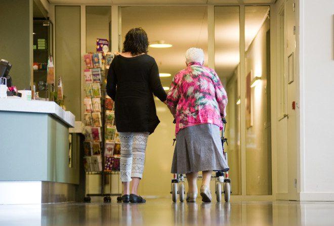 Trabalhar como cuidador na Irlanda mesmo com visto de estudante. © Buurserstraat386 | Dreamstime.com