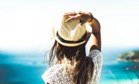 4 dicas para cuidar dos cabelos no verão europeu
