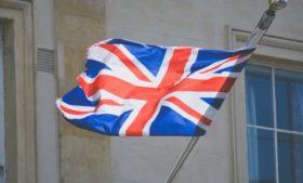 Voos da Grã-Bretanha estão banidos por 48 horas na Irlanda para conter variação da Covid-19