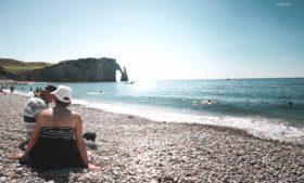 Idosos morrem após choque térmico em praias na França