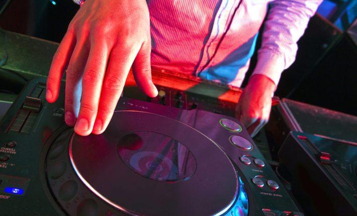6 DJs irlandeses que estão em alta na Irlanda