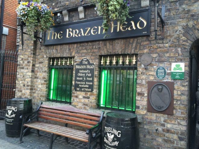The Brazen Head é o pub mais antigo da Irlanda e foi inaugurado em 1198.© Josh Kroese | Dreamstime.com