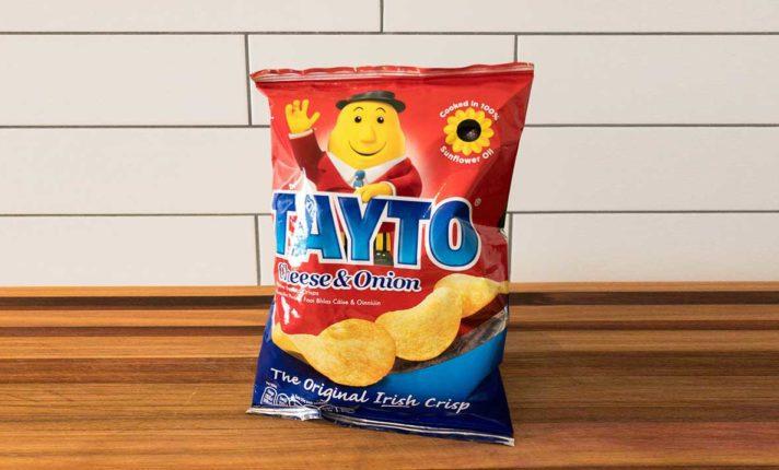 Famosas na Irlanda, batatas Tayto completam 65 anos