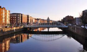 Irlanda tem 200 mil casas vazias e 8,5 mil sem-tetos