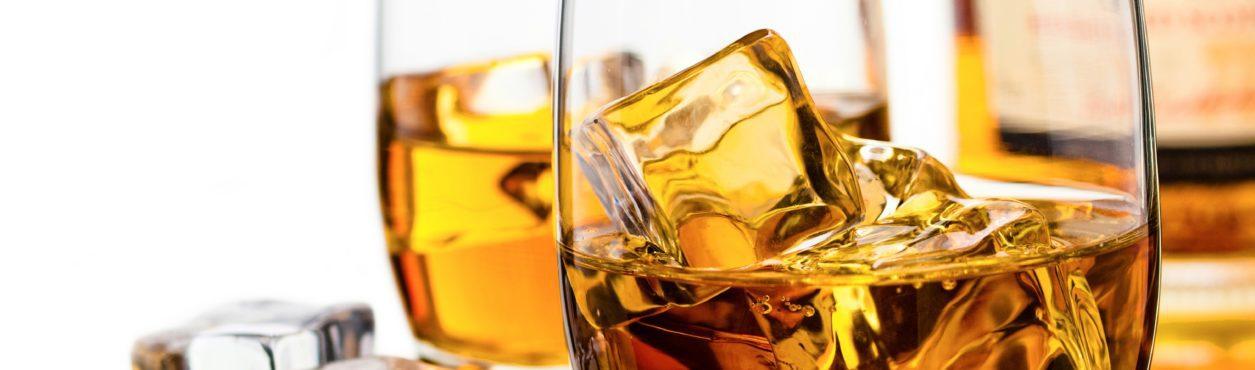 5 whiskies para experimentar na Irlanda
